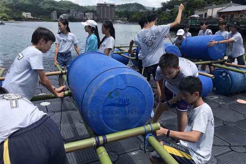 日月潭SUP立式船槳 天鵝船 自力造筏 幸福日月潭水上活動體驗