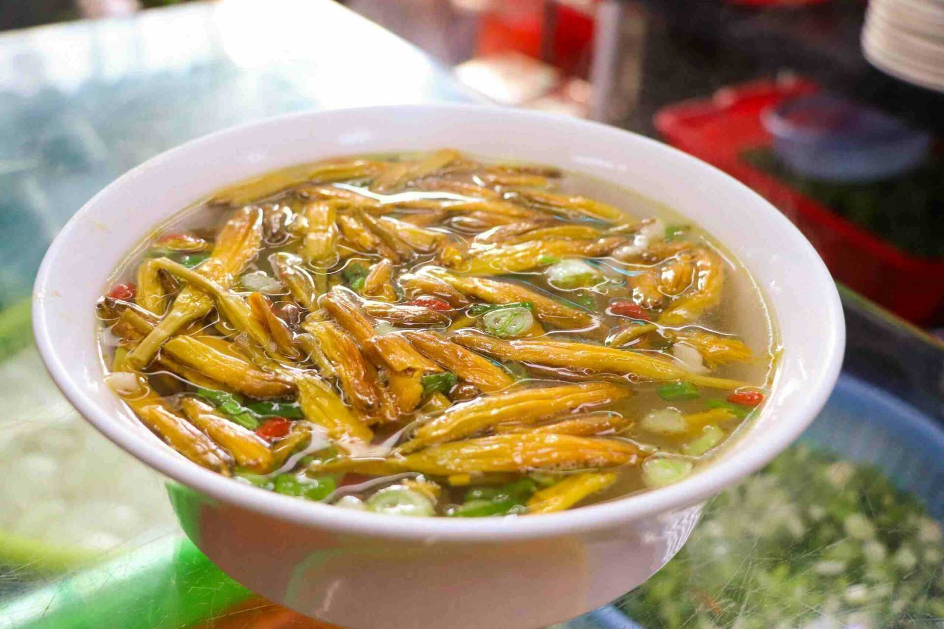 日月潭餐廳 潭鮮美食料理 金針肉絲湯