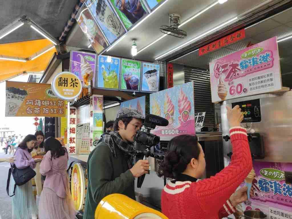 翻茶的高人氣,日本網紅也來採訪