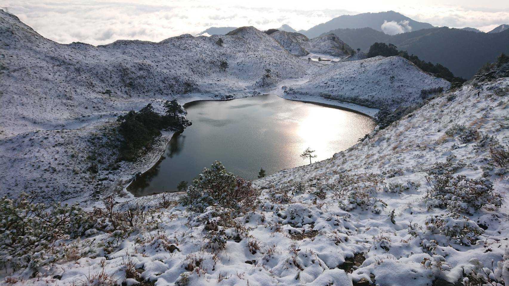 七彩湖探勘之旅 │ 七彩湖雪景