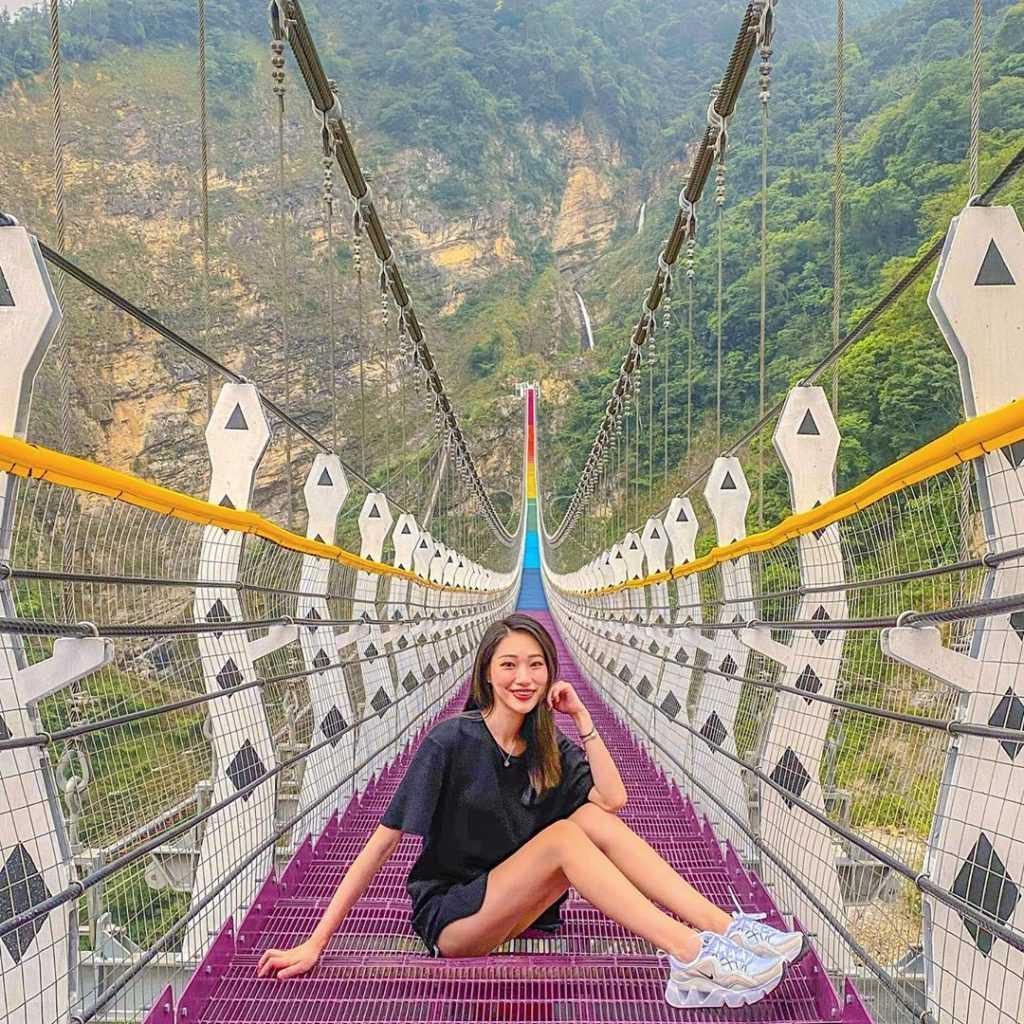 南投景點推薦 :雙龍七彩吊橋