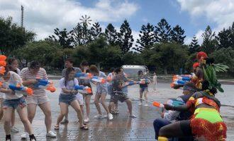 六福村活動期間每日三場水戰活動,將由水戰士們率領表演團隊與台下遊客對戰。