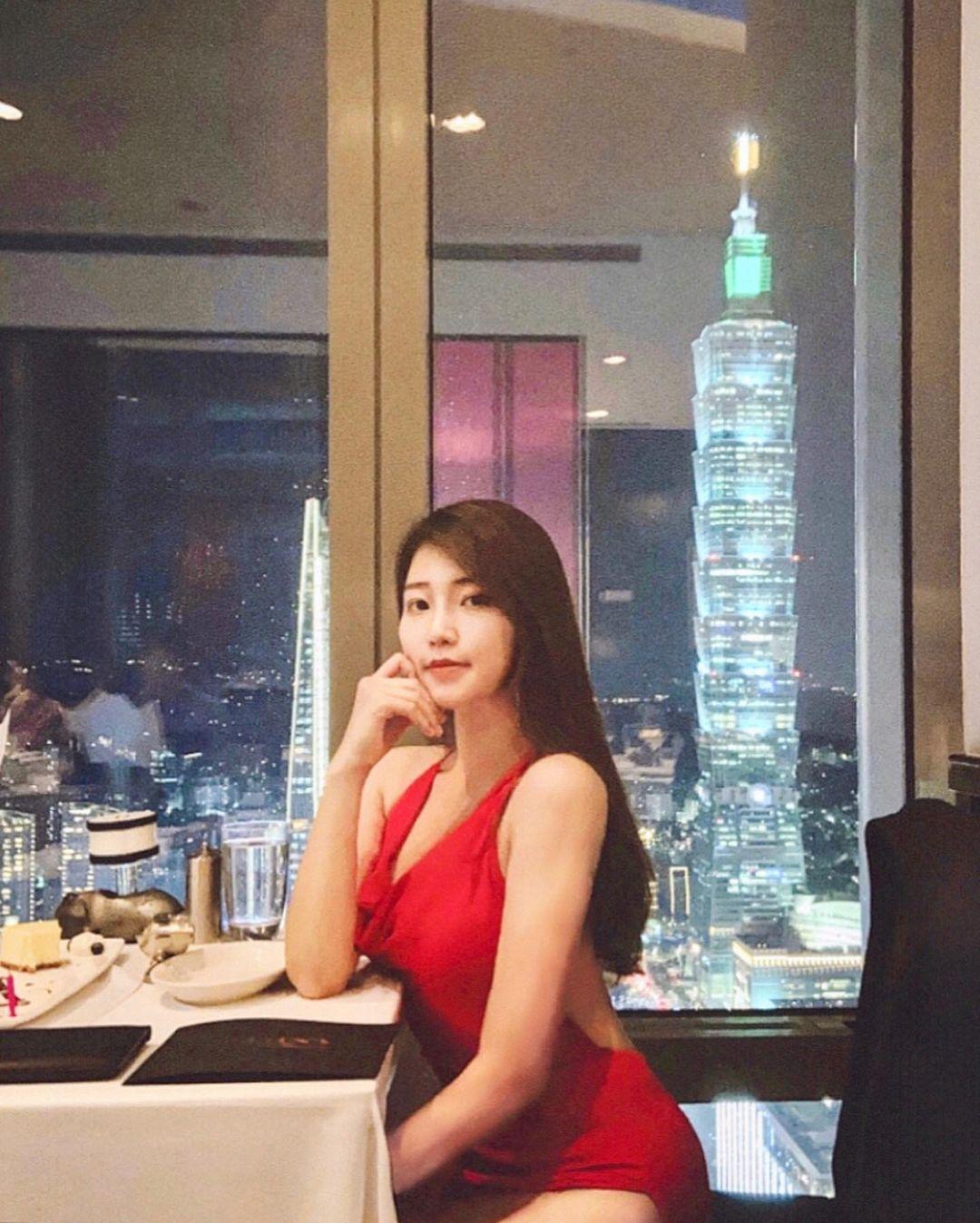 台北跨年2021活動,台北跨年餐廳2021推薦,101煙火最美觀賞地點,莫爾頓牛排館