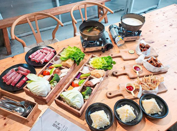 阿里山景觀餐廳 小火鍋有滿滿的高山蔬菜,健康又美味